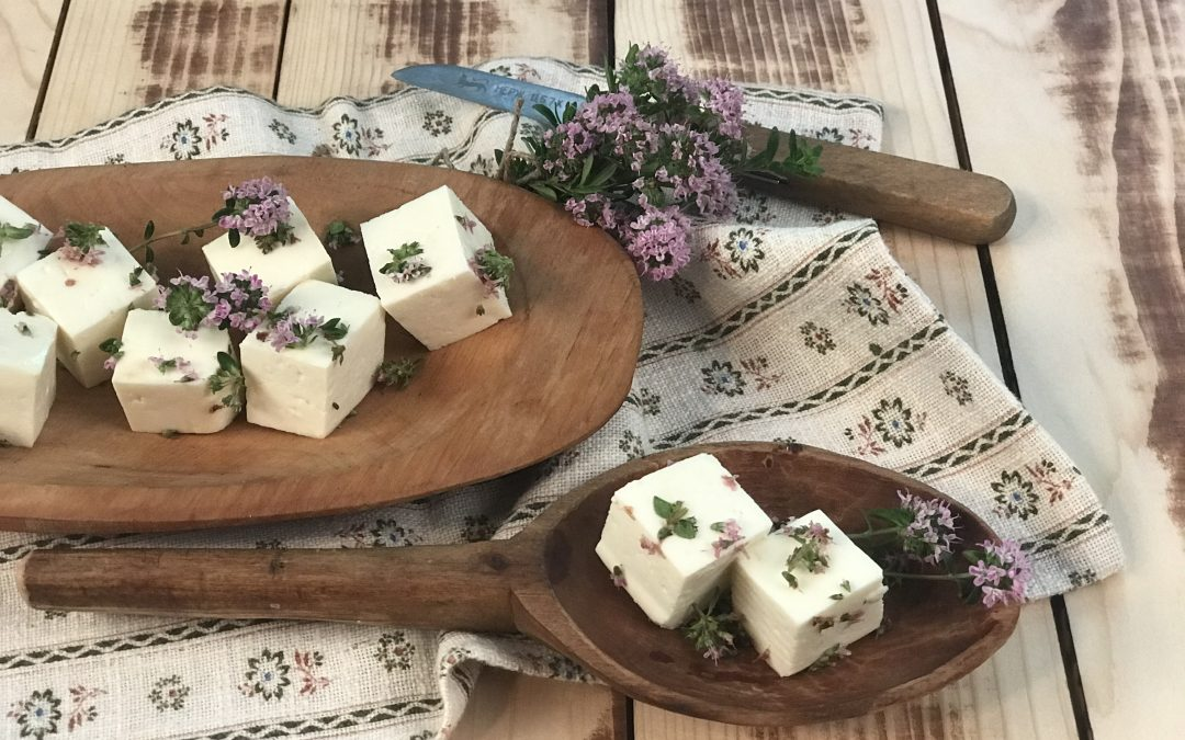 Sajt-virág ízharmóniák – melyik sajthoz illik a kakukkfű virága?